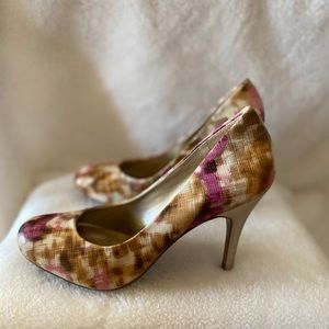 Jessica Simpson multi-colored heels - size 8